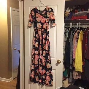 Dresses & Skirts - My Amelia James Floral Maxi Dress